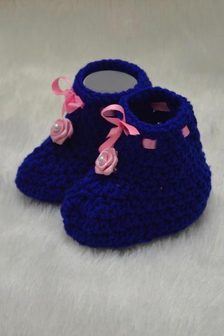 Blossom crochet flower applique booties - Blue