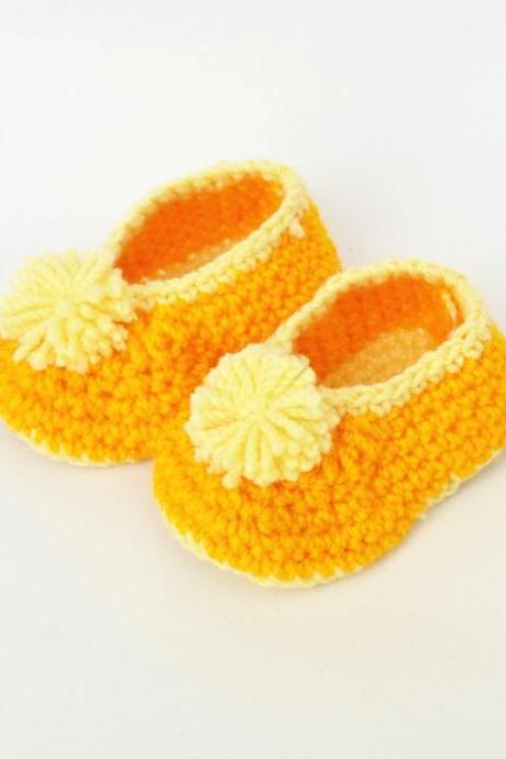 Crochet baby booties - Yellow