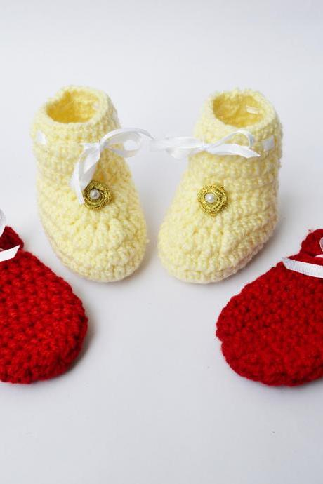 Crochet Booties and mittens set