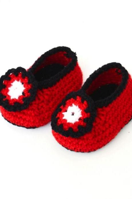 Crochet Baby Booties - Red with black border