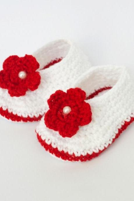 Crochet flower applique baby booties - White with red flower